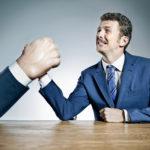 4 tactiques de négociation pour se saborder efficacement…!